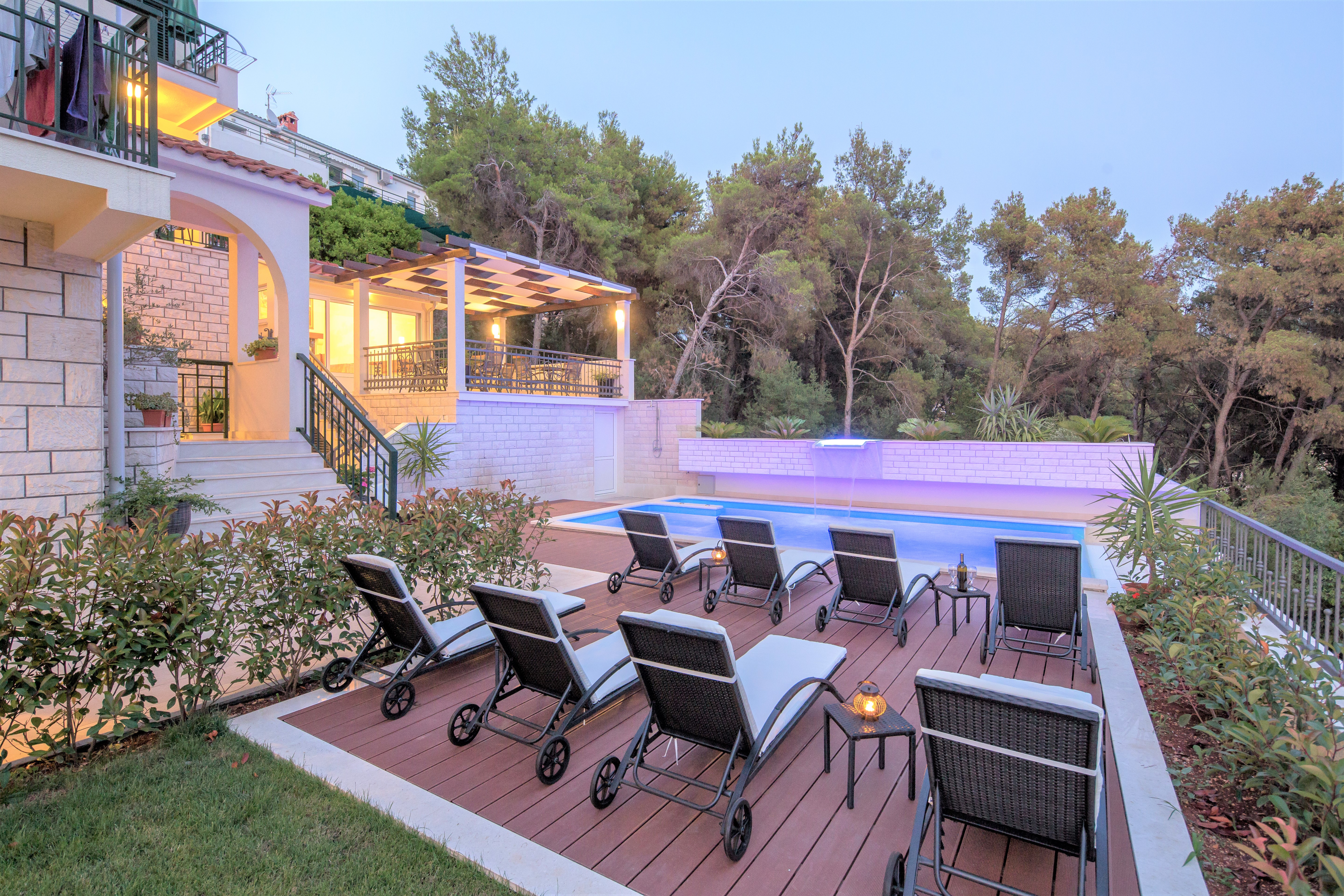 Rent rooms in Trogir