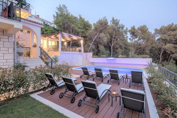 apartments-in-trogir-villa-fani84D41152-8242-FBA4-E60D-36033240B97D.jpg